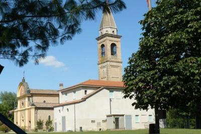 Sagrato della chiesa di Santa Croce di Carpi – Carpi (MO)