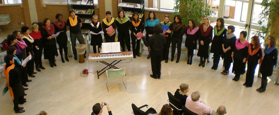 Coro femminile multietnico Mosaico